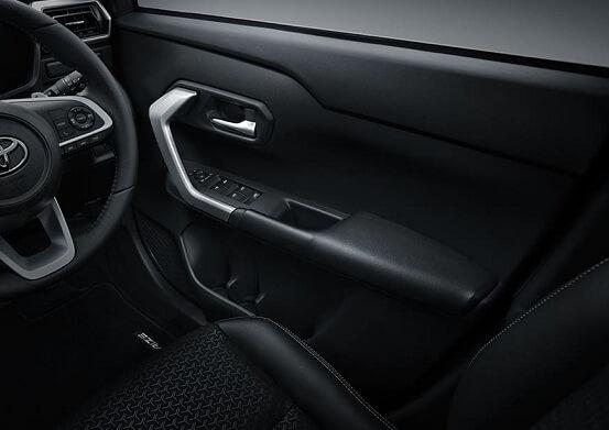 Interior Toyota Raize (7)